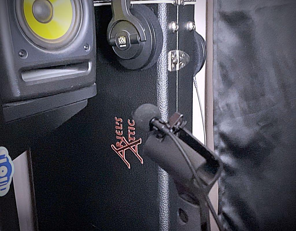 Lapel mic live stream setup