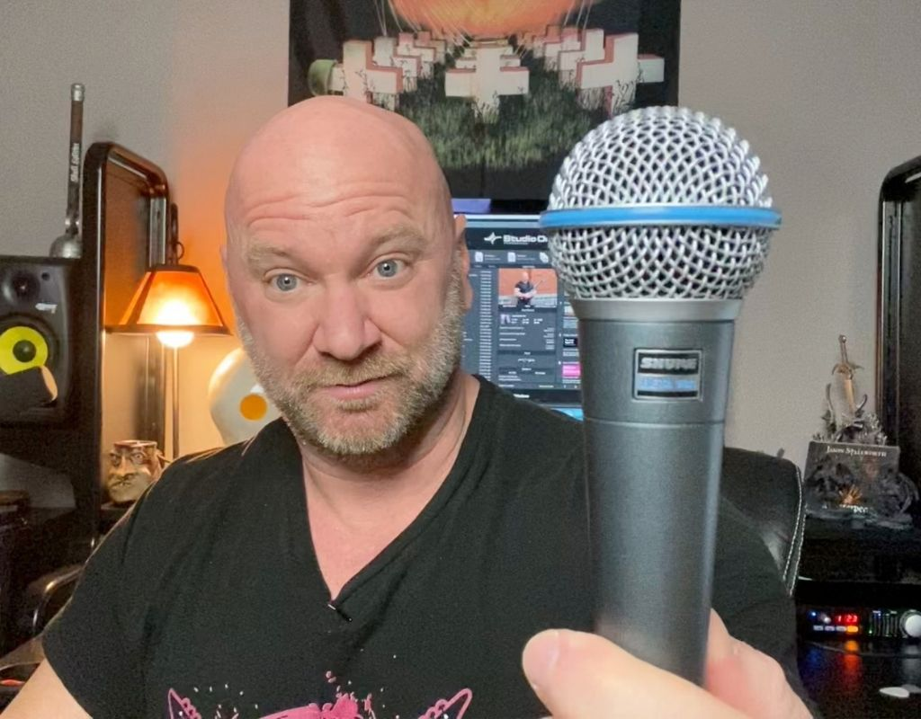 Shure Beta 58a mic for singing live on stage
